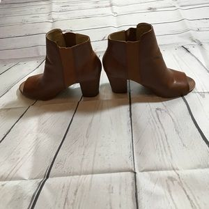 Chinese laundry camel color open toe bootie!  8.5